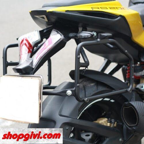 Baga hông để gắn thùng hông Givi xe Pulsar RS200